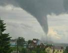 俄鞑靼斯坦遭龙卷风袭击 画面壮观